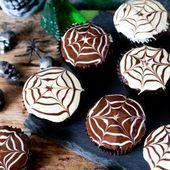 Halloween Spider Web Chocolate Cupcakes – Nicky's Kitchen Sanctuary – #Choco… …