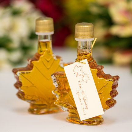 Maple syrup. | 42 Lovely Ideas For A Cold-Weather Wedding