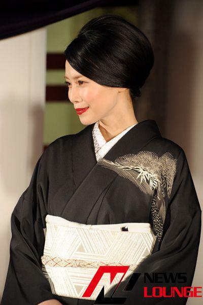 中谷美紀、染五郎に「男らしい人が素敵 | 伝統的な着物, 中谷美紀 ...