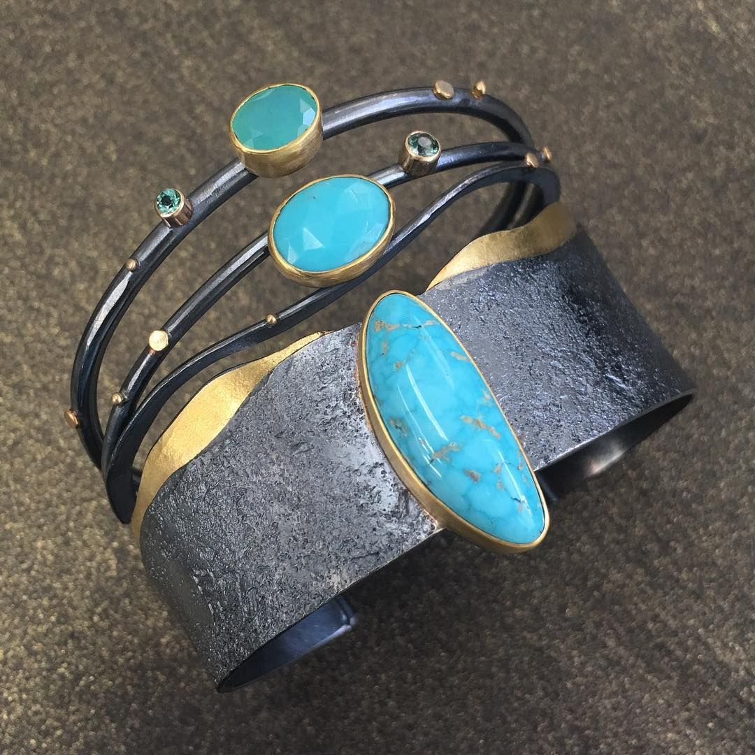 Dive in! Unfiltered turquoise makes me dream about beaches. This Reef cuff…