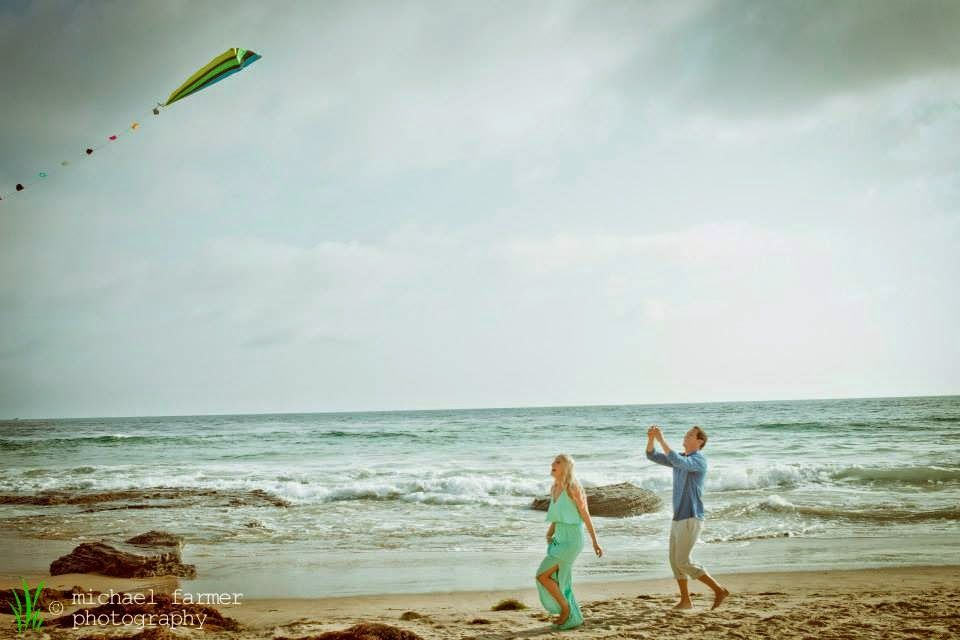 crystal cove, engagement, newport beach, wedding photography, beach, kite