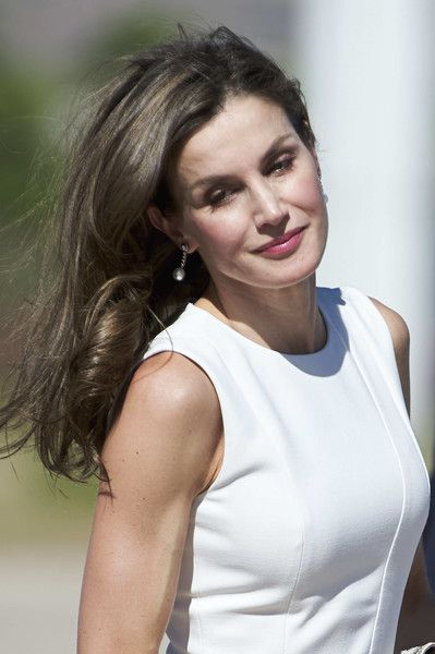 Queen Letizia of Spain Photos Photos - Queen Letizia of Spain departs for an official visit to United Kingdom at the Barajas Airport on July 11, 2017 in Madrid, Spain. - Spanish Royals Depart to United Kingdom