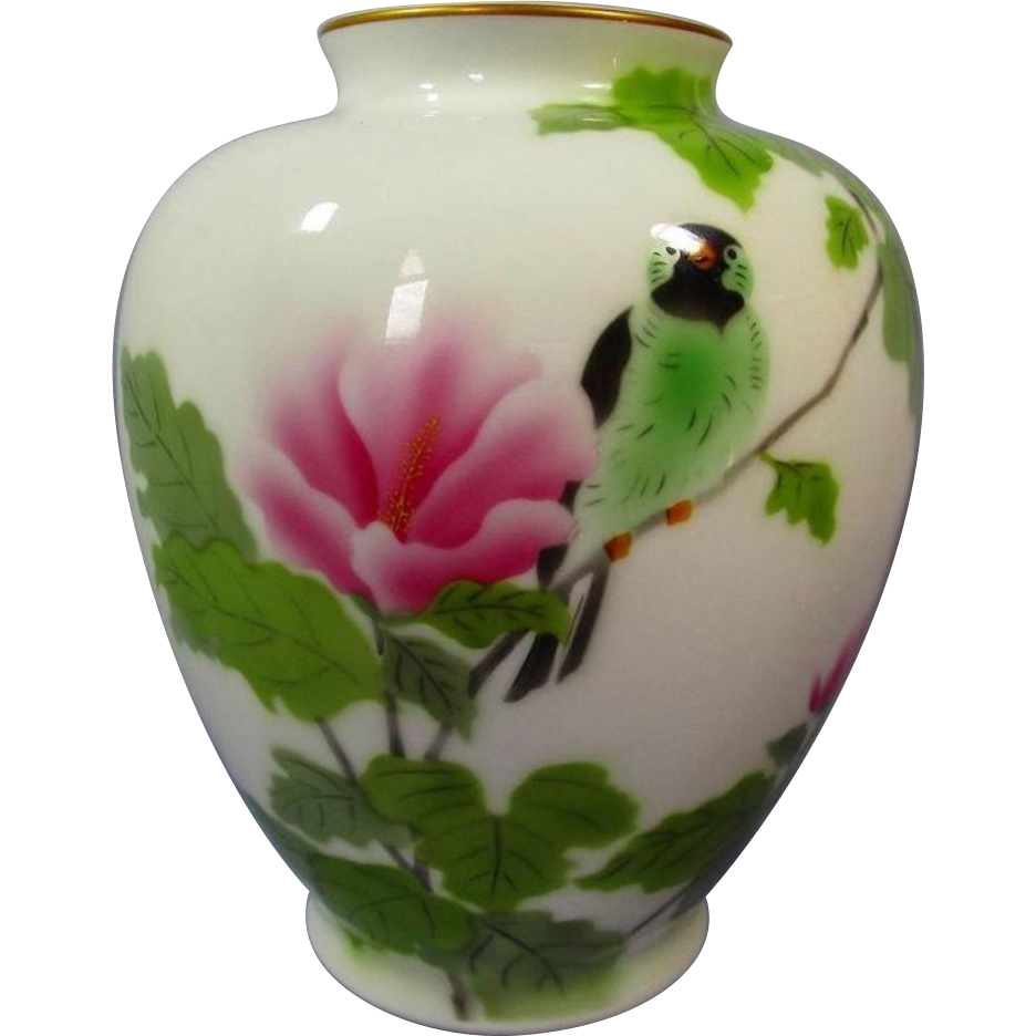 Japanese vintage fukagawa porcelain vase with bird and flower this is a beautiful crisp white porcelain vintage vase fukagawa has some of the most beautiful porcelain vases they boast beautiful quality reviewsmspy