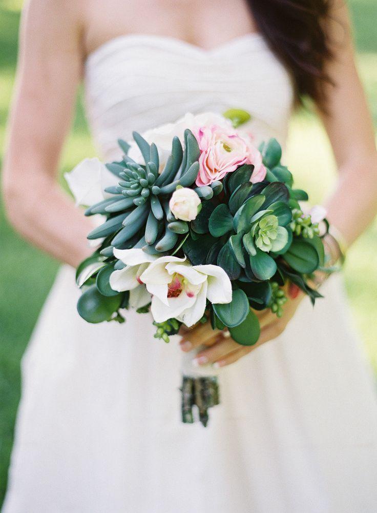 succulent bridal bouquet by Malakanoff Nursery