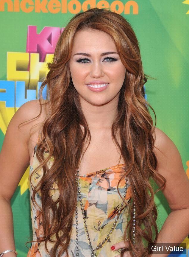 Miley Cyrus at the Kids Choice Awards 2011