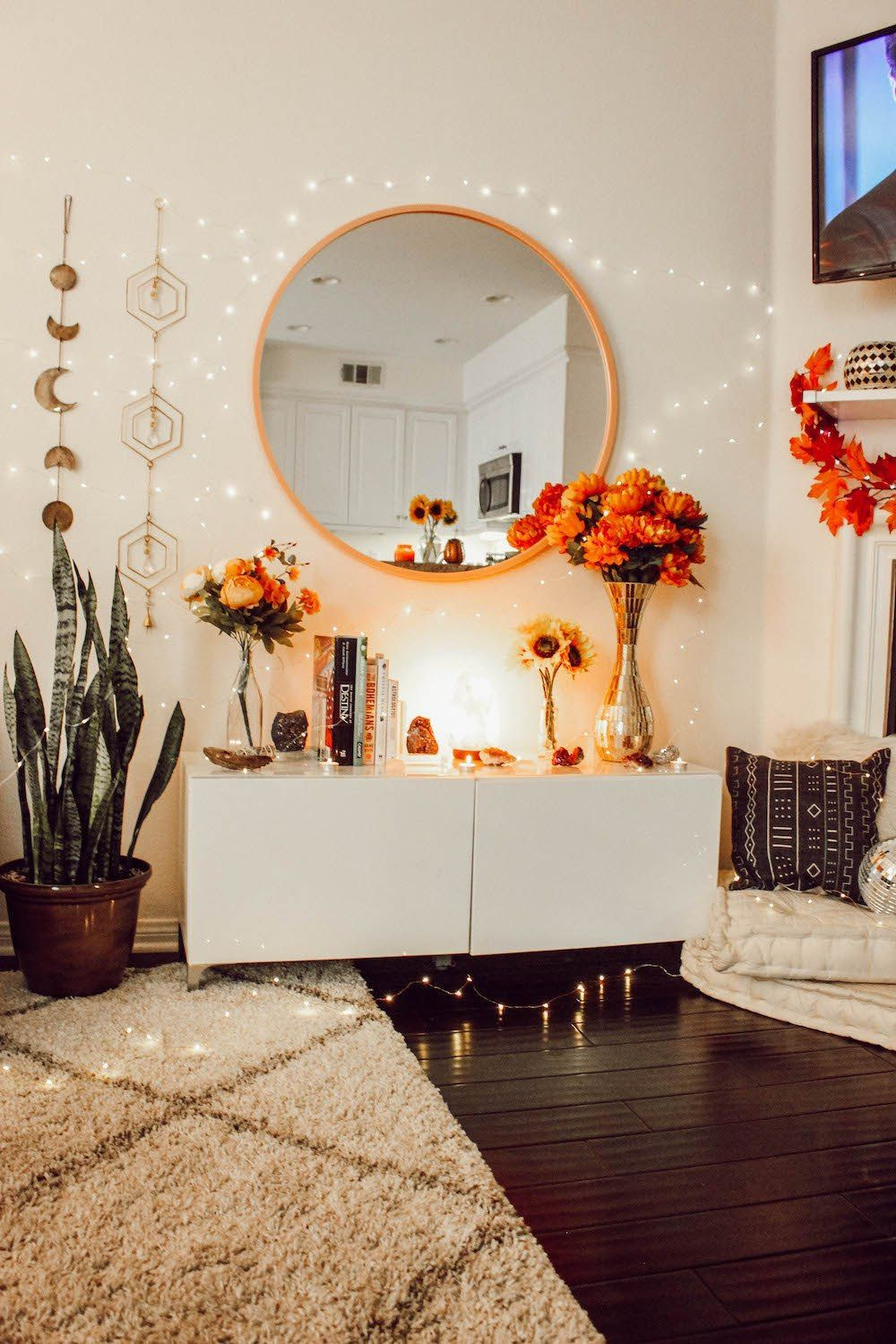 Cheap Decorating Ideas For Living Room Walls Wall Decor On A Budget Cheap Decorating Ideas For Small Apartm Fall Bedroom Decor Bedroom Decor Bedroom Design