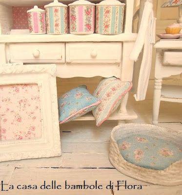 la casa delle bambole di flora