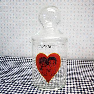 """Bonbonnière vintage, décor """"Love is"""" de Kim Casali, 1971"""