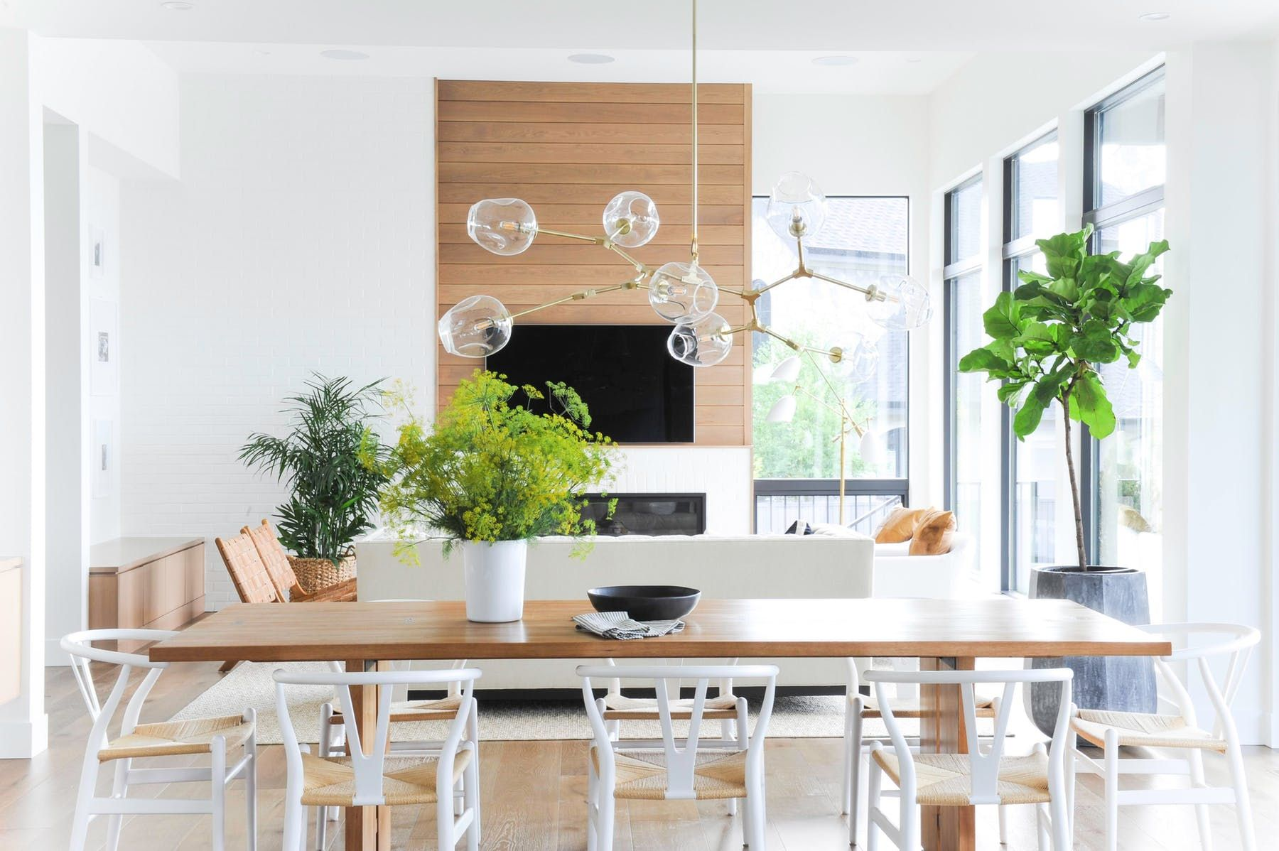 Modern Kelowna Project By Kerrisdale Design Inc Lookbook Dering Hall Brown Dining Table Oval Table Dining Chic Dining Room