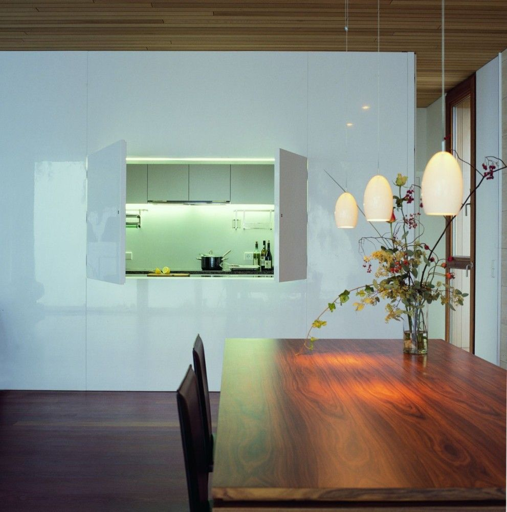 House Lindau / k_m architektur   Wooden tables, Cedar wood and Haus