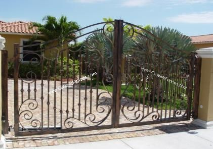 Driveway Gate Design Available in Garden Gate and Picket