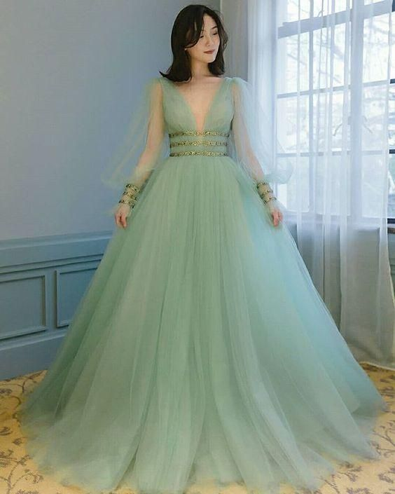 Green tulle prom dress deep v neck party dress puffy sleeves A-line gown