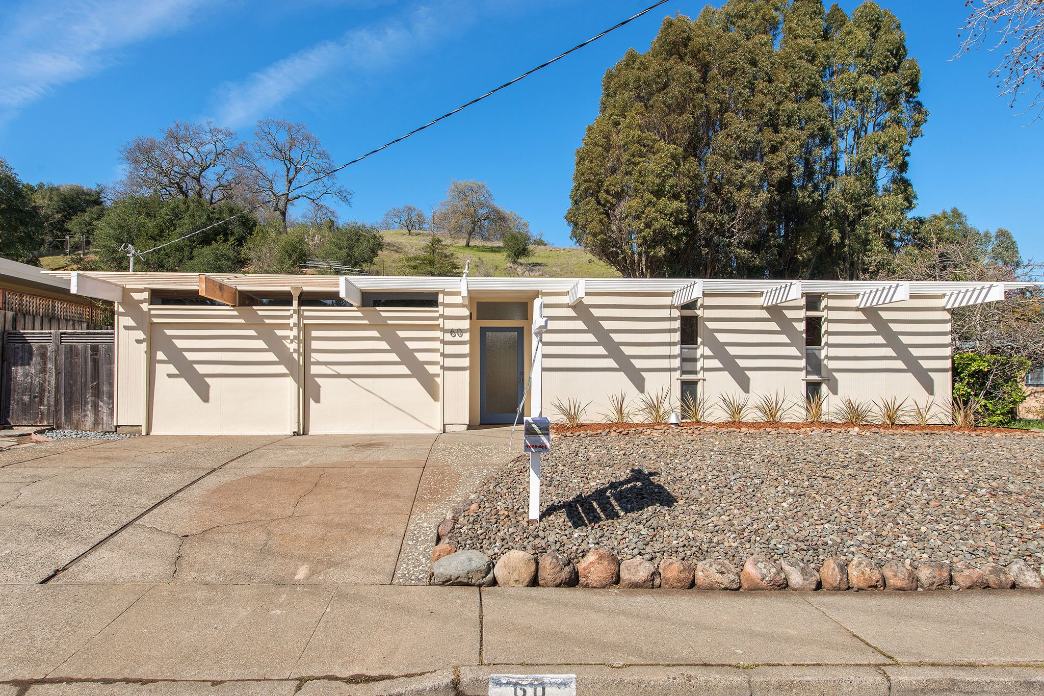 Best An Elegant Eichler Hits The Market At 1 15M In Northern 400 x 300