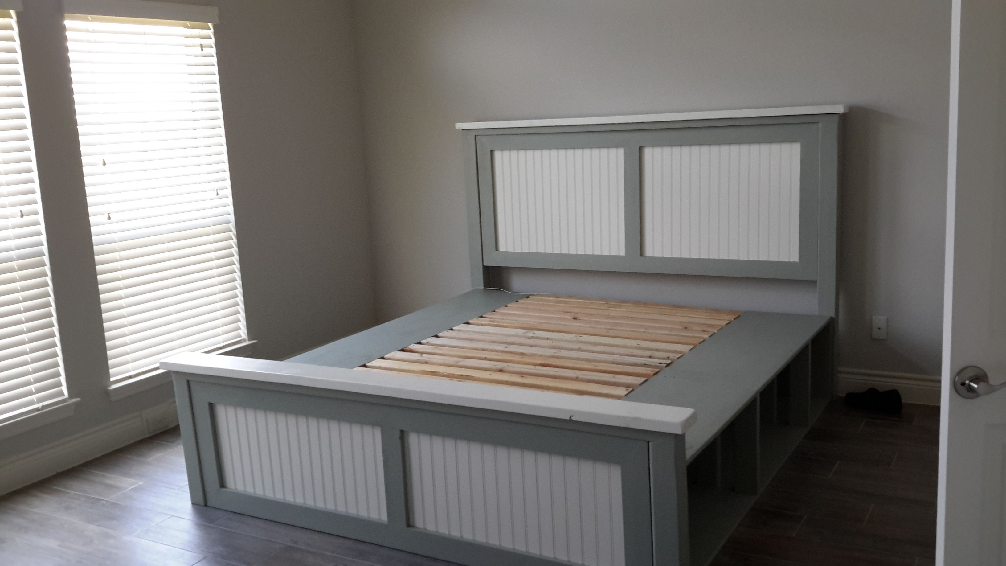 King farmhouse storage bed do it yourself home projects from ana king farmhouse storage bed do it yourself home projects from ana white solutioingenieria Gallery