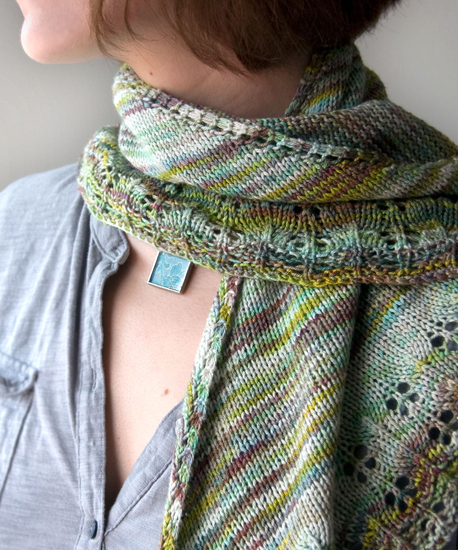 Free Knitting Pattern: Oaklet Shawl
