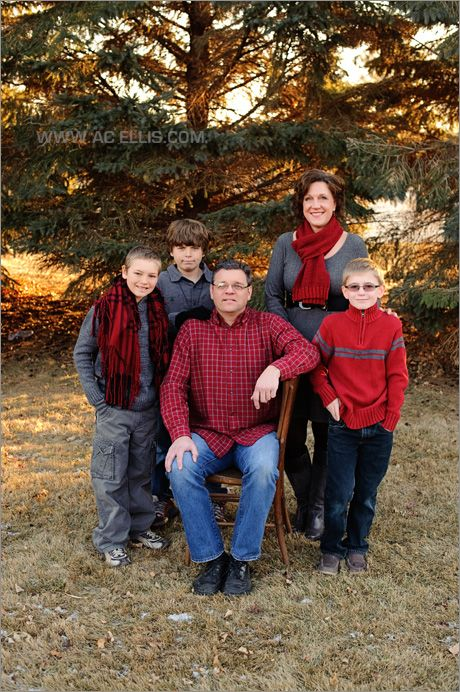 family photo outside red grey and black | Summer family ...
