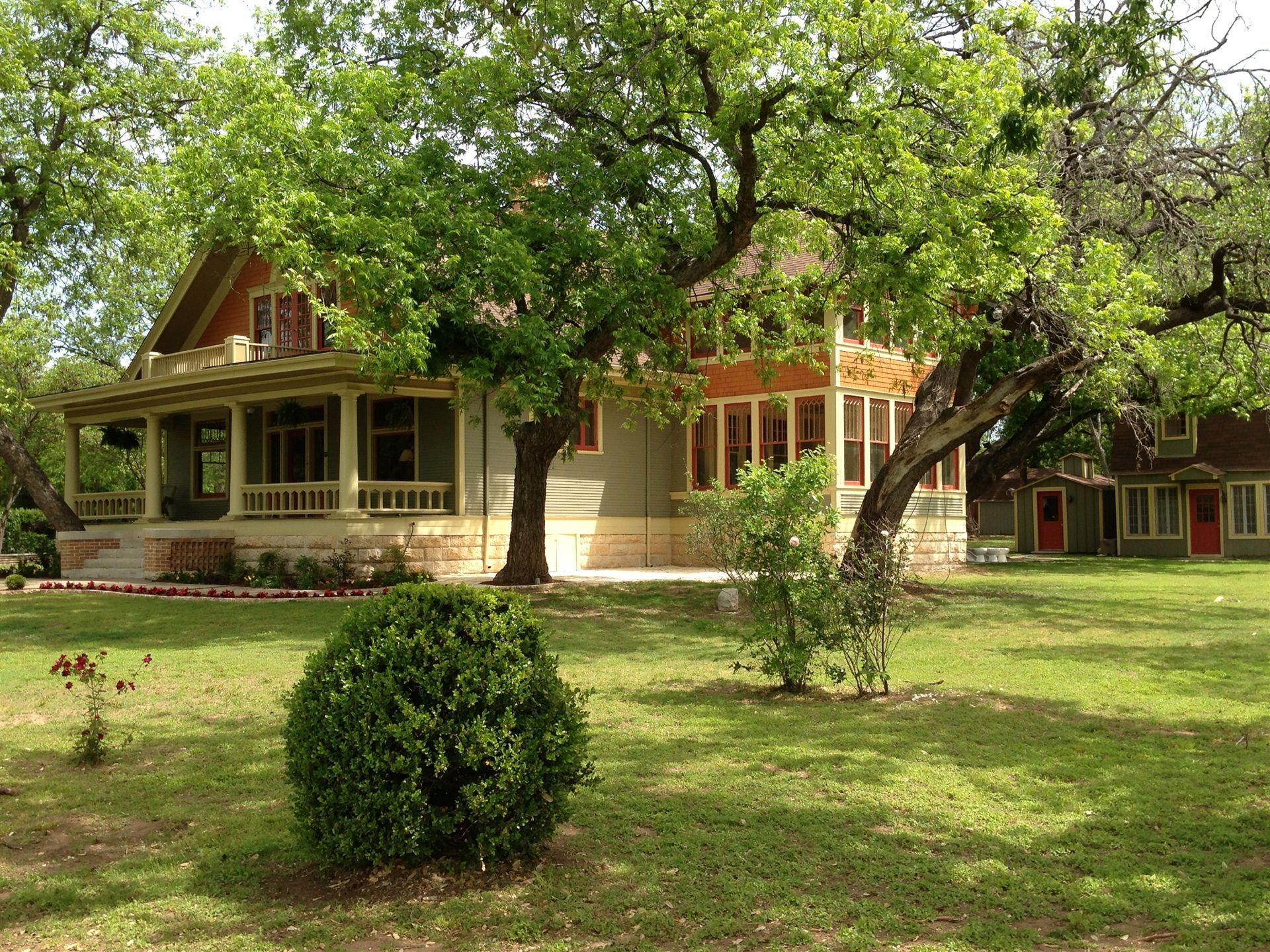 The Iron Horse Inn in Granbury is a beautiful and historic