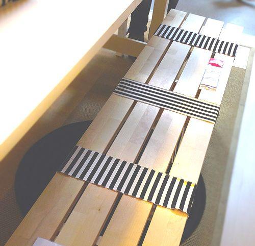 Schnelle Dekoration für Bank und Stuhl mit Stoffresten...