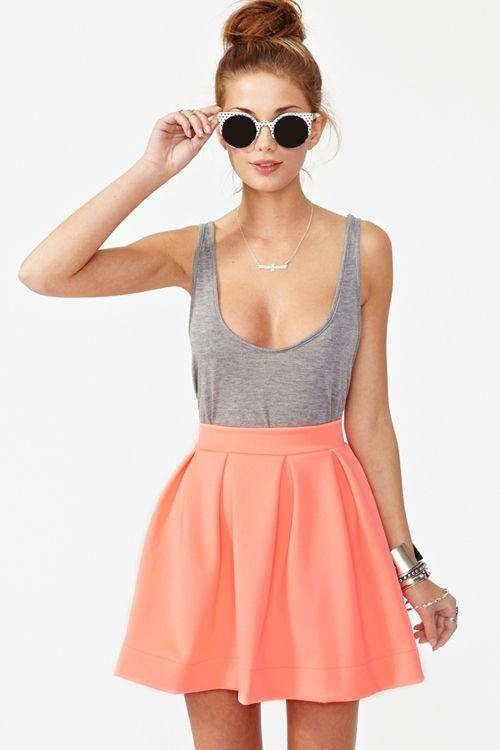 High waist skirts with a basic tank.