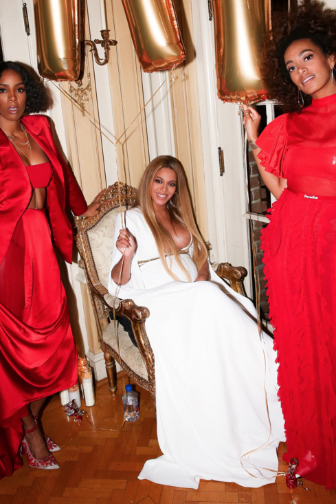 Beyonce Solange And Kelly Rowland S Post Grammys Celebration Was Lit Beyonce White Dress Beyonce Queen Beyonce Style