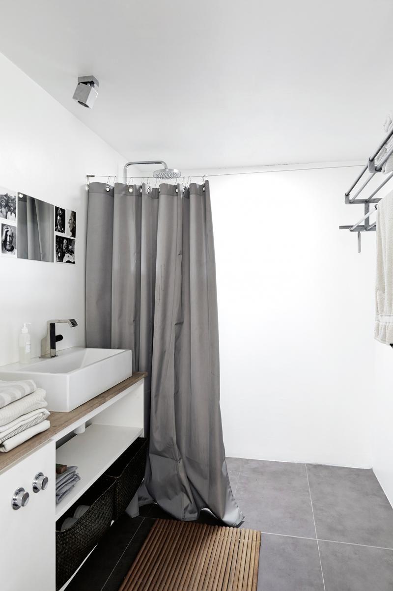 A Holiday Home Showcasing Scandinavian Coastal Style Coastal Living Rooms Scandinavian Shower Curtains
