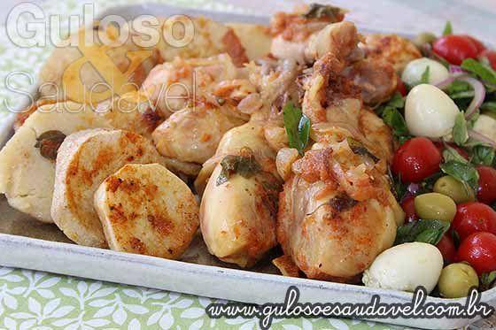 #BomDia! A dica para o #almoço é esta delicia de Coxas de Frango Assadas ao Molho de Tomate! São super rápidas e fáceis de fazer!  #Receita aqui => http://www.gulosoesaudavel.com.br/2014/11/24/coxas-frango-assadas-molho-tomate/