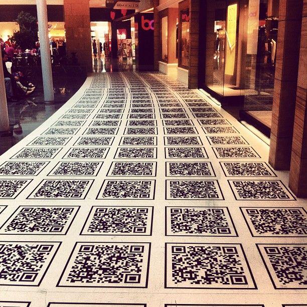 QR Code nelle piastrelle, una strada multimediale -  - QR Code in the tiles, a multimedia street