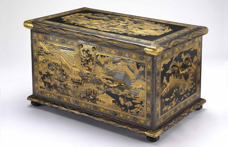 The Mazarin Chest Unknown Maker Japanese About 1640 Wood Covered In Black Lacquer With Gold And Silver Hiramaki Mobilier Medieval Meubles Japonais Coffrets