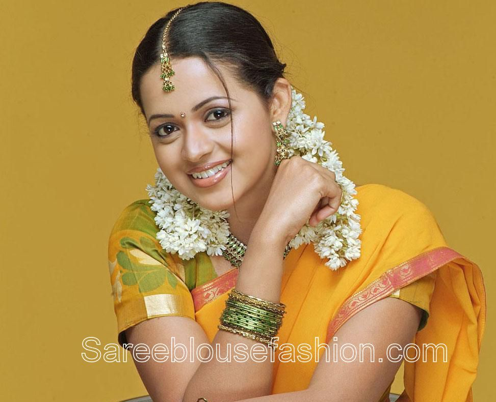 South indian actress bhavana in traditional short sleeves saree south indian actress bhavana in traditional short sleeves saree blouse altavistaventures Gallery