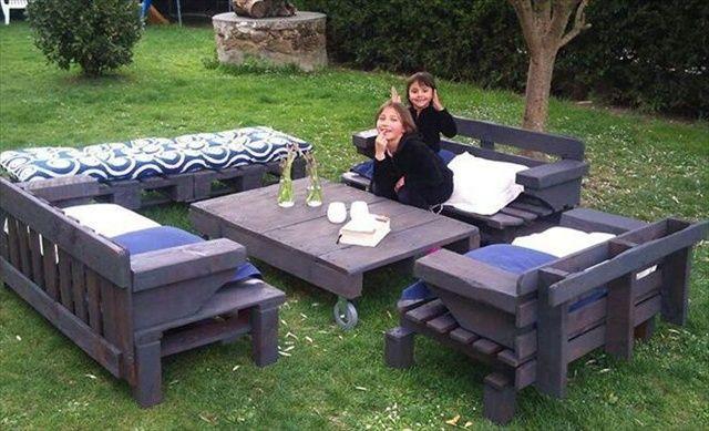 Épinglé par Maggie Luijer sur Pallets & crates | Pallet garden ...