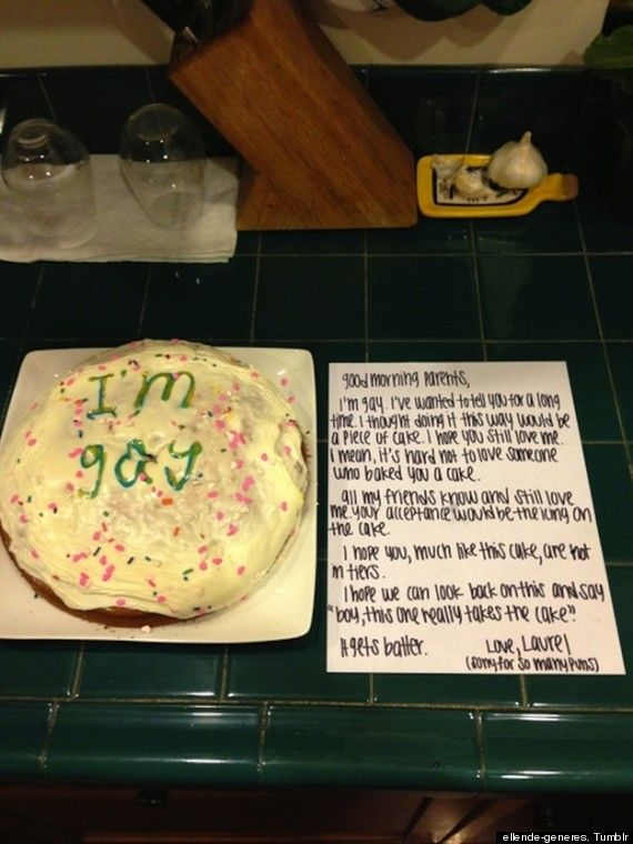 This girls cake (and note) to her parents announcing that she's gay is so cute and heartfelt. :)