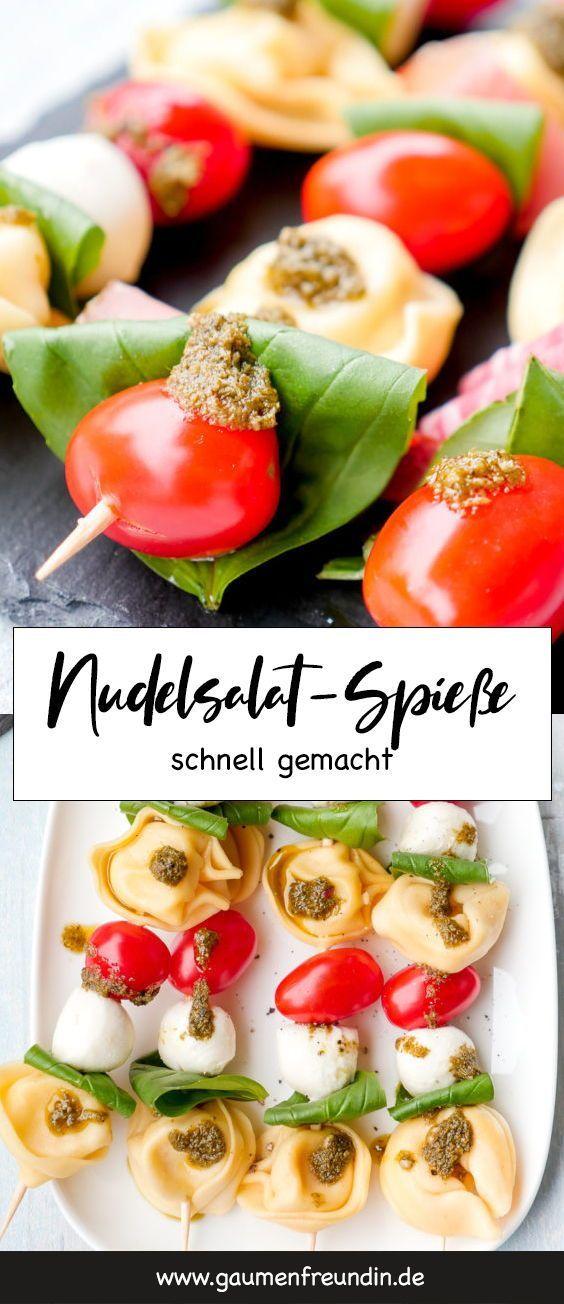 NudelsalatSpieße mit Tortellini Tomaten und Mozzarella Bunte NudelsalatSpieße für das Picknick mit Kindern  die schnellen Spieße mit Tortellini Tom...