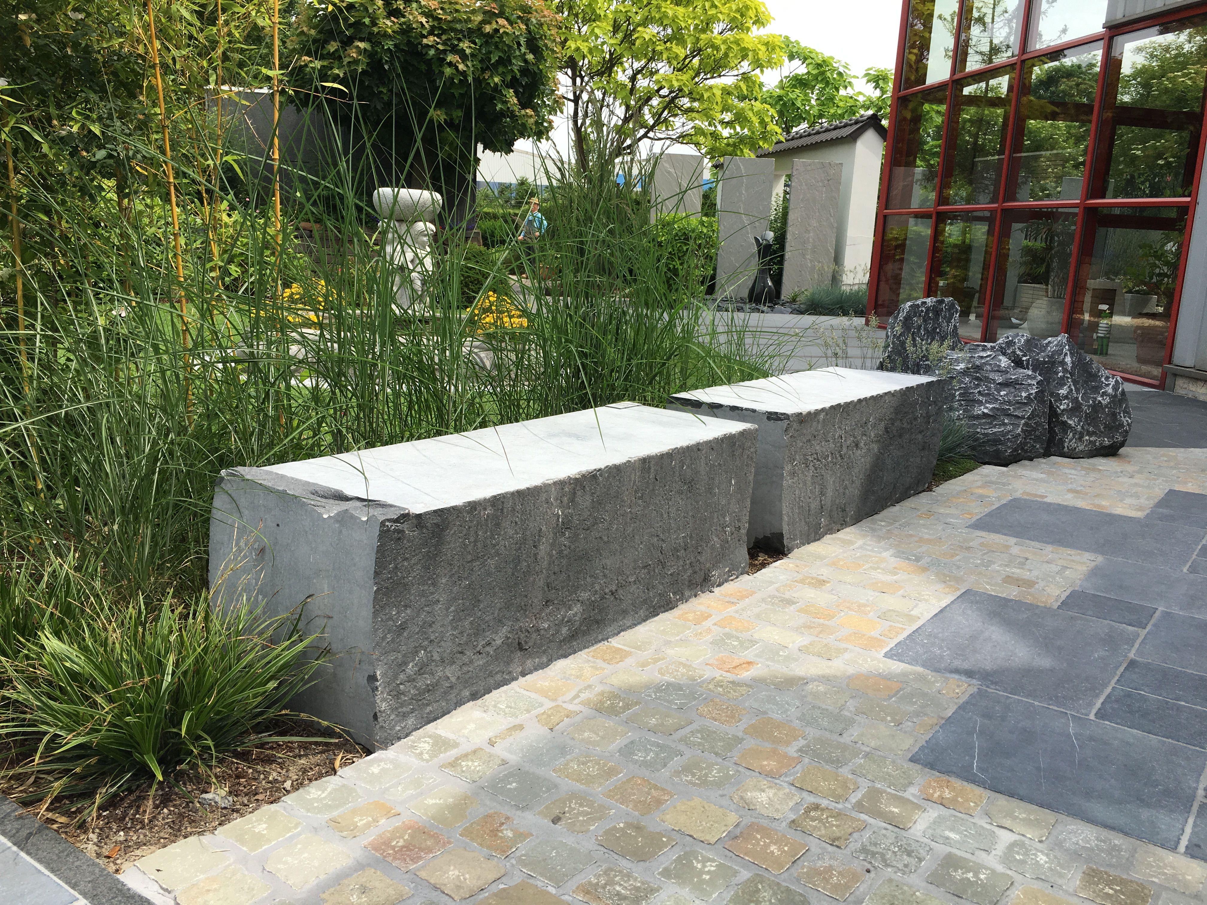 Sitzblock Irischer Blaustein 40 40 90 110 Cm Von Monte Graniti Natursteine Sitzbank Garten Haus Und Garten