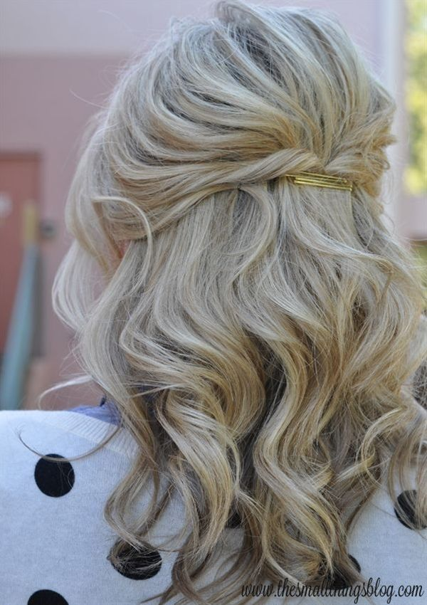 Casual Half Up Hair With Images Short Wedding Hair Short Wavy Hair Wedding Hairstyles