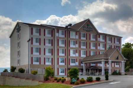 Country Inn Suites In Wytheville Va Convenient To The Meeting Center And