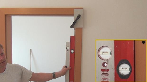 Türzarge einbauen  Tür einbauen, Türzarge einbauen | Eingebaut, Türen und Hausbau