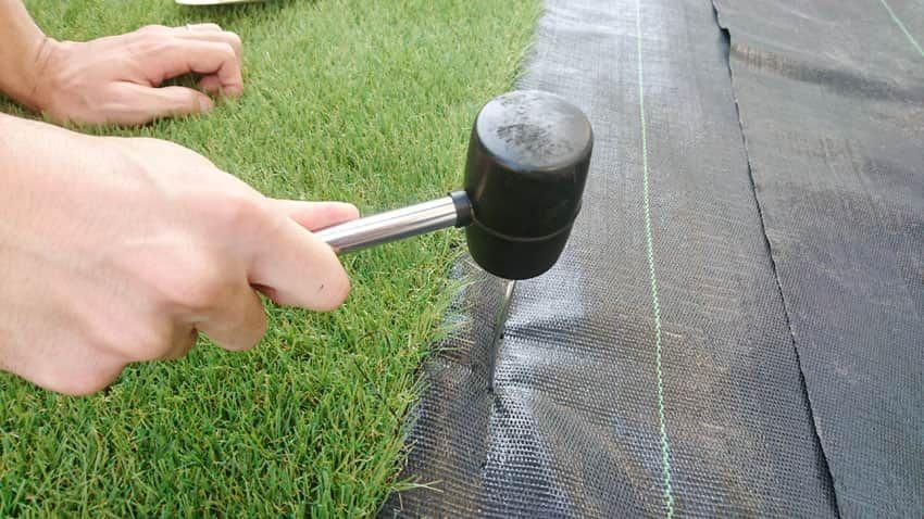 人工芝の意外なデメリット 庭へ施工する前に読んでほしい 人工芝