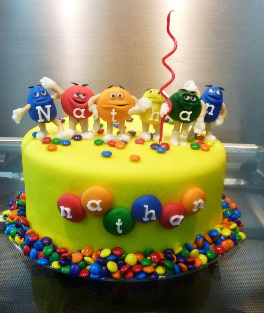 M m cake cake birthdays and birthday cakes for Decoration gateau m m s