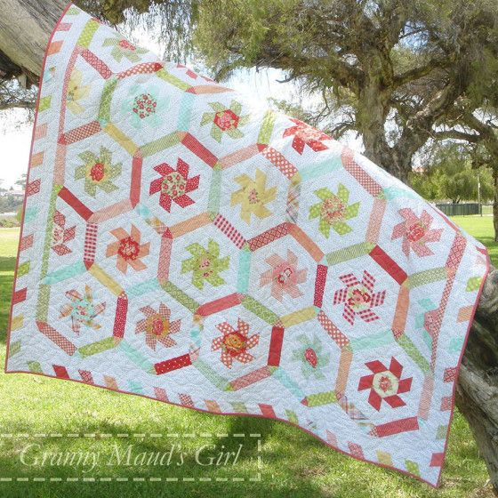 The Whirligig Quilt Patterns Patchwork And Pinwheel Quilt