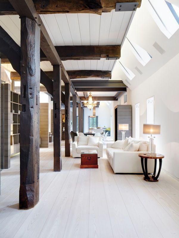 Belki Konstrukcyjne W Salonie Salon Styl Rustykalny Aranzacja I Wystroj Wnetrz House Interior Interior Design Home