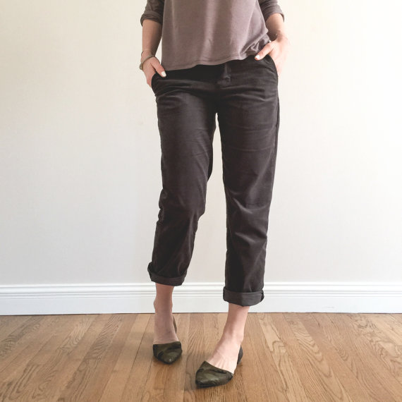 The Hampshire Trouser is our casual approach to a classic pant. Its always been our goal to provide designs which provide ultimate comfort but in the most stylish way. Our trouser is intended to fit just below the waist and drape comfortably to the top of the ankle. This design features a zipper front fly, front seamed pockets, and back welt pockets. These features often intimidate at home seamstresses, but dont these doable things get in the way from a good challenge and your future…