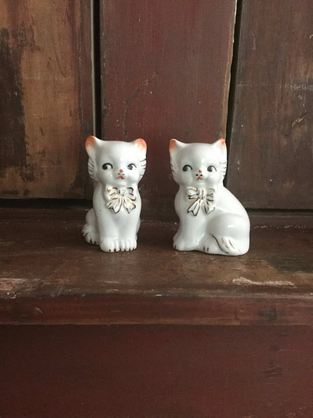 Vintage Collectible White Kitten Salt and Pepper Shakers #whitekittens