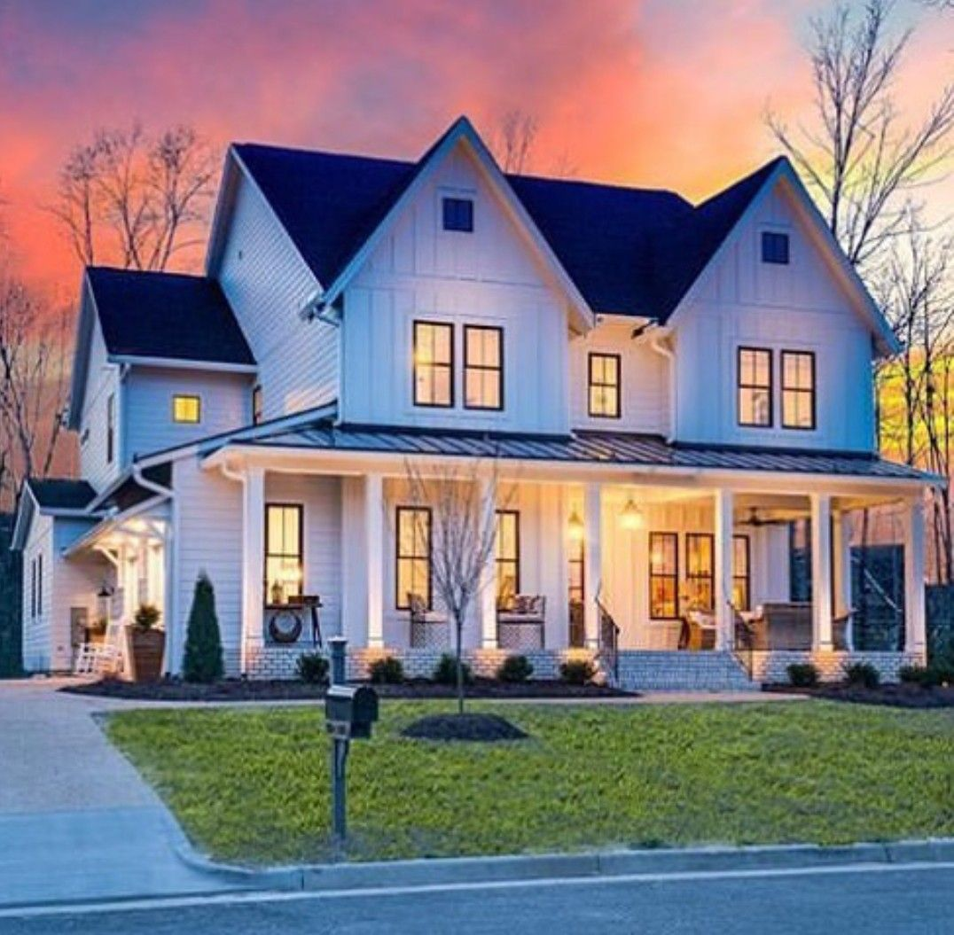 pin by terri faucett on boots modern farmhouse exterior on beautiful modern farmhouse trending exterior design ideas id=65696