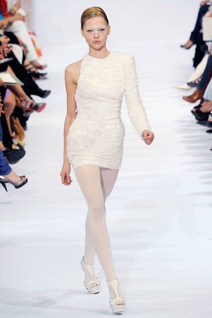 Elie Saab Fall 2009 Couture Fashion Show - Sasha Pivovarova