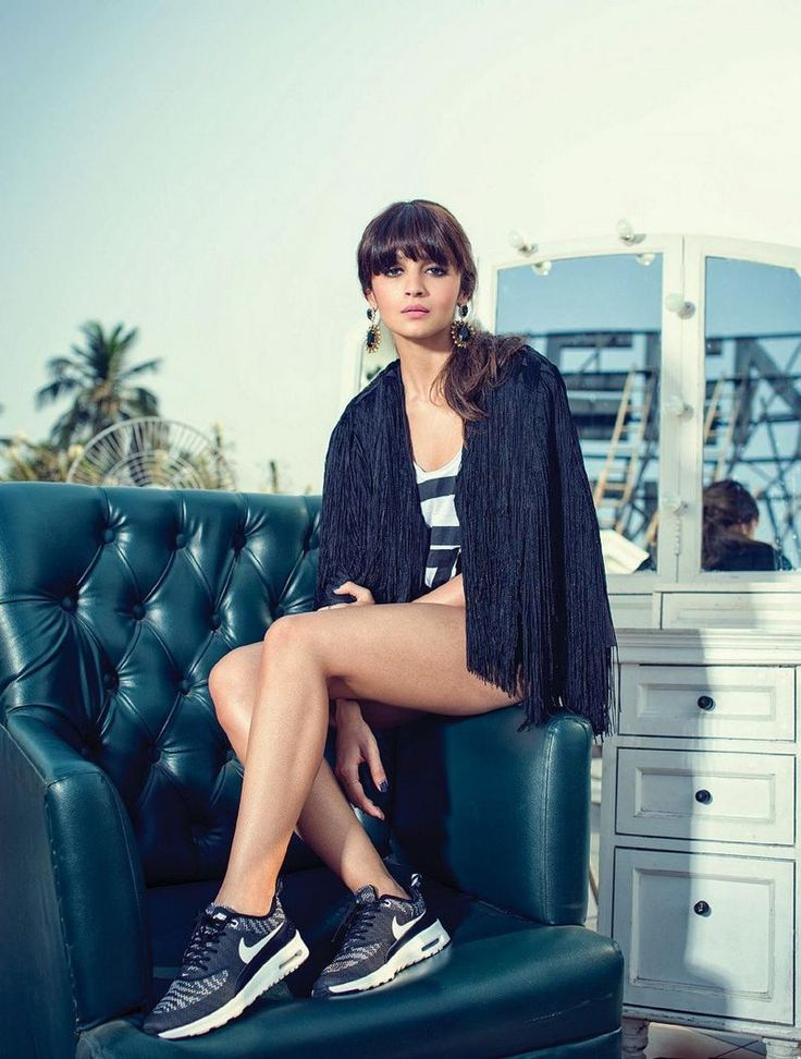 5 Bollywood celebrities kicking it in style with Nike shoes