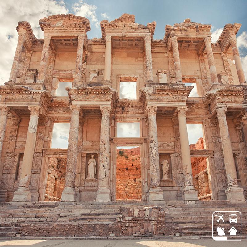(( Antiga Éfeso, atual Selçuk, Turquia ))  O passado das civilizações antigas estão espalhados pelo mundo, vem com a gente desvendar os mistérios dos tempos remotos da nossa Terra