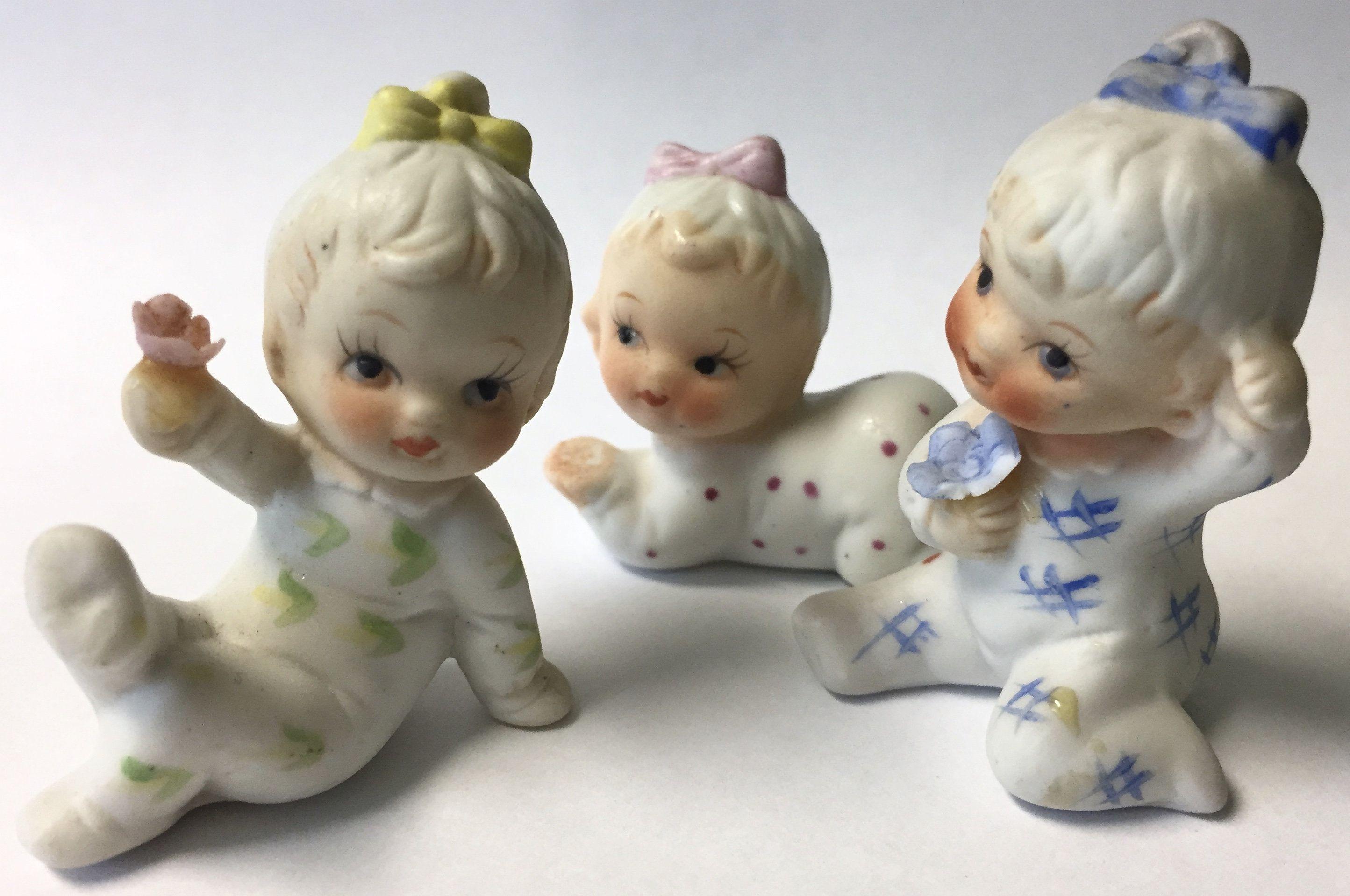 Vintage Bisque Ceramic Miniature Baby Girl Figurines Baby Girls In Pajamas Shadowbox Display Diorama Dollhouse Set Of Three In 2020 Shadow Box Miniature Figurines Figurines