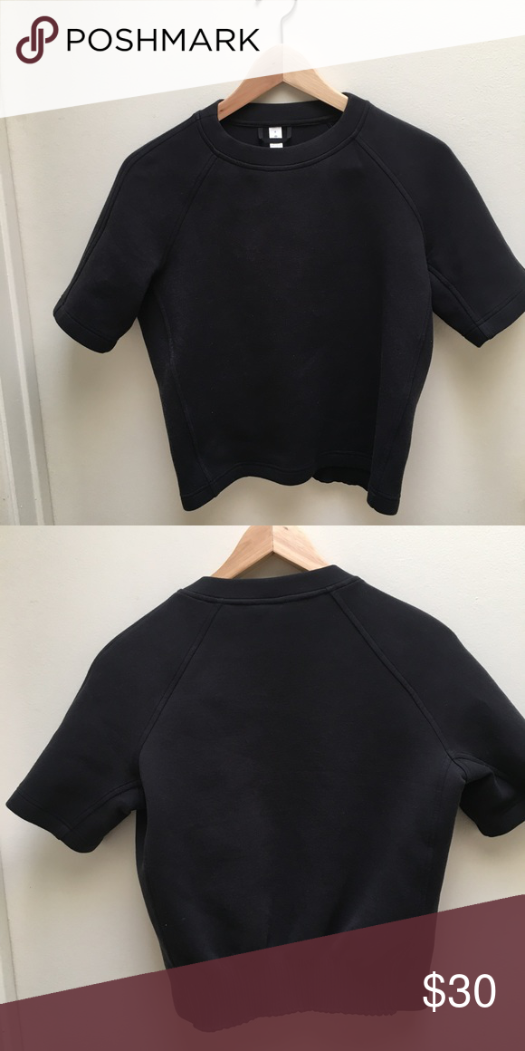 Lululemon Cropped Top USED - in good condition (wore a couple times) lululemon athletica Tops Crop Tops
