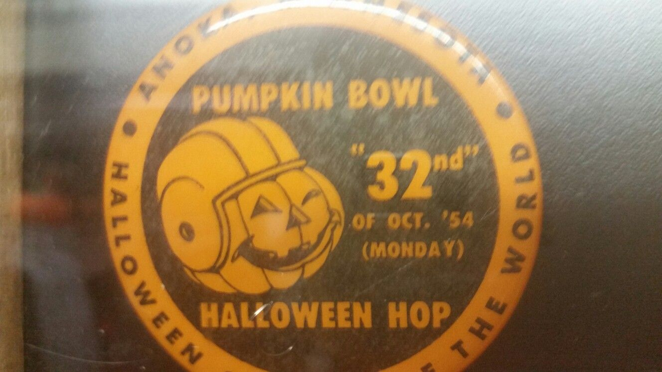 Anoka Halloween capital of the world 1954 button Www