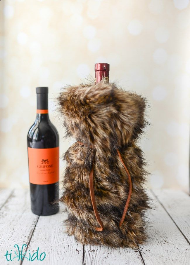 a3658d4b4fb5 Faux Fur Wine Bags Tutorial and 99 Handmade Gift Ideas Blog Hop ...